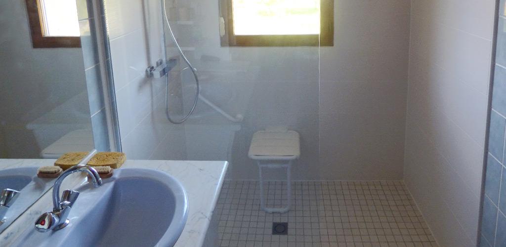 Opa solutions am nagement sur mesure pour pmr for Salle bain pmr