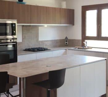 Pose d'une cuisine équipée avec ilot central